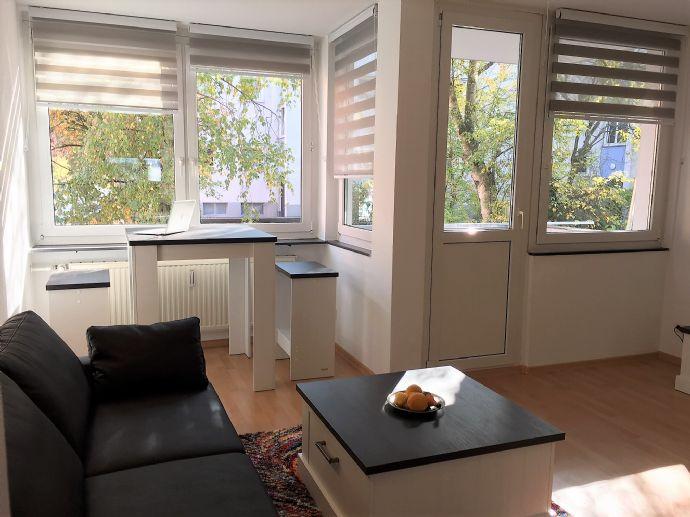 Moderne, komplett möblierte 2-Zimmer Wohnung mit Balkon in bester Lage