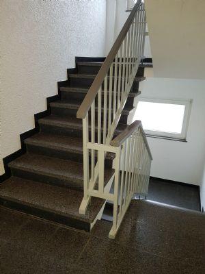Freie Eigentumswohnung mit 2 Zimmern im zweiten Obergeschoss