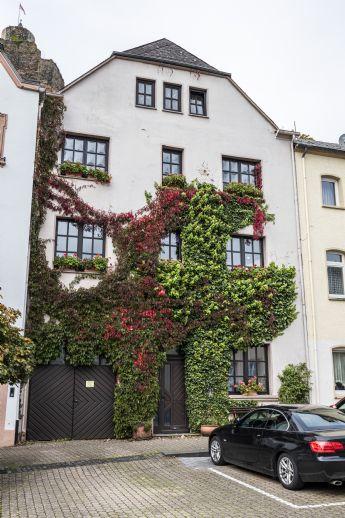 Großzügiges Einfamilienhaus in historischer Lage von Saarburg mit Blick auf Burg & Saar
