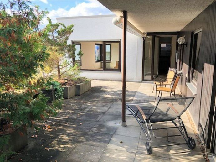 Großzügig wohnen - 5 Zimmer Terrassenwohnung mit Gartenmitbenutzung!