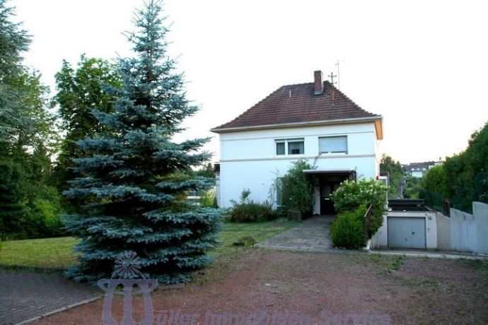 Großzügiges Villenanwesen in Bexbach