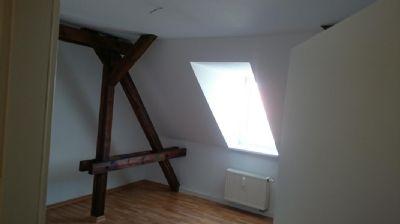 nette mieter gesucht f r gem tliche dachgeschoss wohnung mit gewissem flair etagenwohnung. Black Bedroom Furniture Sets. Home Design Ideas