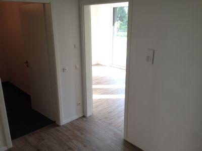 3 raum wohnung mit einbauk che und 2 balkonen. Black Bedroom Furniture Sets. Home Design Ideas