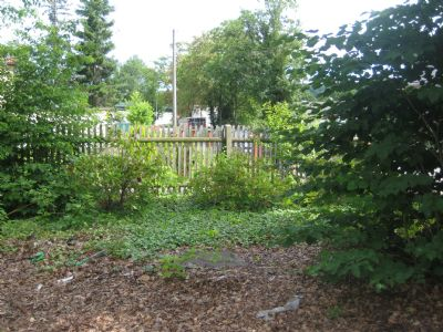 Blick 1 auf das Grundstück