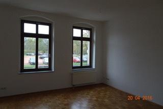 Wohnzimmer mit Blick zum Schloßteich