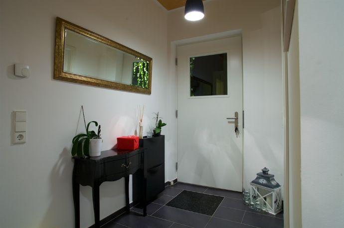 wir suchen eine n neuen schlo herren herrin r srath 063917f0. Black Bedroom Furniture Sets. Home Design Ideas