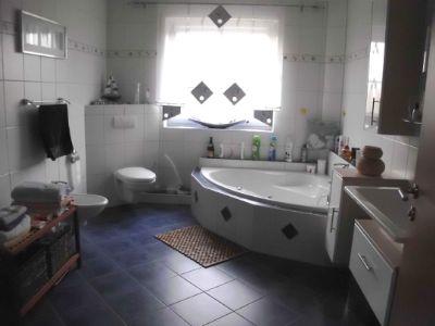 Dusch- und Wannenbad OG