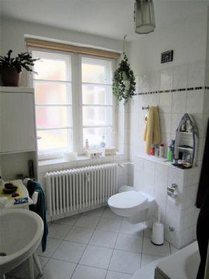 spandau sanierte 4 zi bauhauswohnung balkon plus loggia sehr hell modernes bad gas. Black Bedroom Furniture Sets. Home Design Ideas