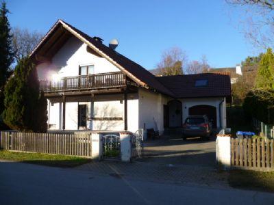 gro es wohnhaus mit ausbaufl che in allenberg zu verkaufen haus schiltberg 2hmd54k. Black Bedroom Furniture Sets. Home Design Ideas