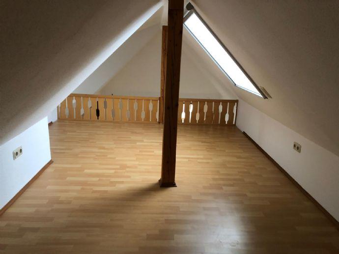 Schicke 2,5-Raum-Wohnung mit Balkon und Gartenmitbenutzung in Walldorf
