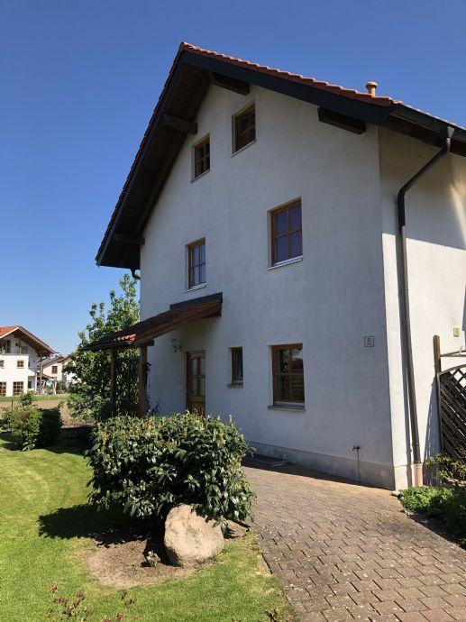 Doppelhaushälfte mit Einliegerwohnung in Aschau am Inn