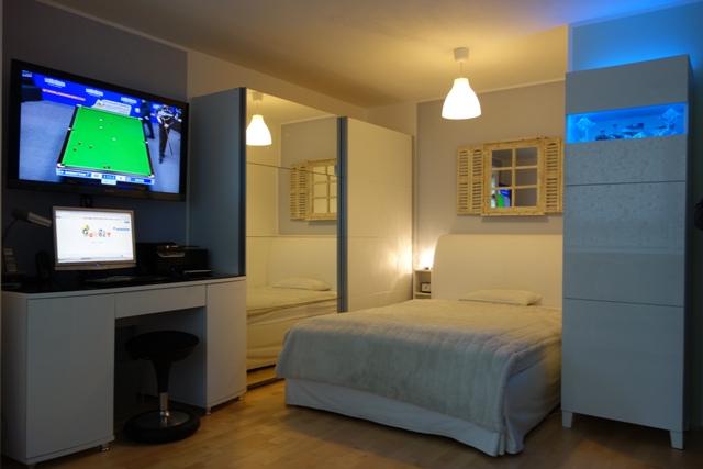 Hotelfertige stilvolle sowie vollständig renovierte & möblierte 1-Zimmer Wohnung INKLUSIVE W-LAN, Strom und Nebenkosten mit Parkmöglichk. - ab sofort