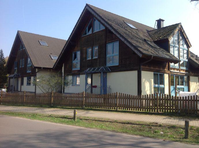 Modernes Doppel - Mehrfamilienhaus mit sechs Parteien in Hohen Neuendorf nahe Berlin mit excellenter Verkehrsanbindung