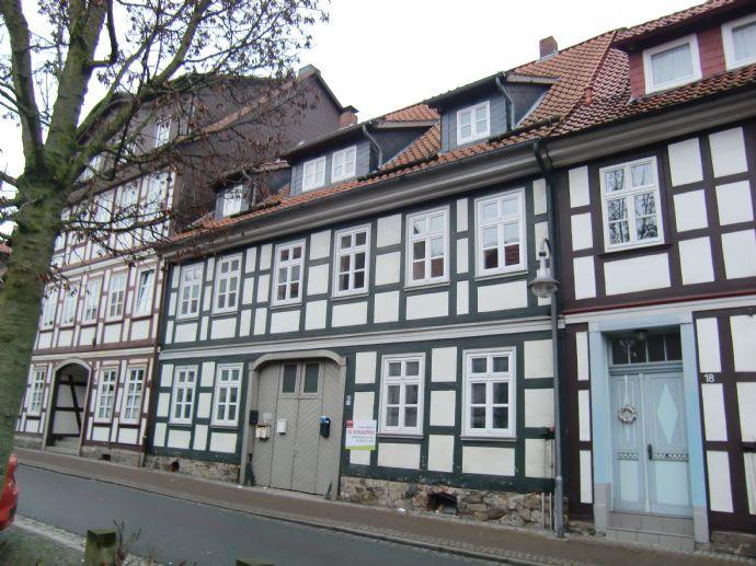 Mehrfamilienhaus in zentraler Stadtlage - 4 Wohneinheiten mit Garten zu verkaufen!