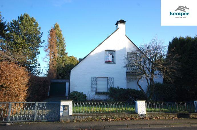 Einfamilienhaus m. großem Grundstück in schöner Lage!