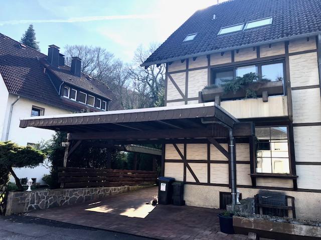 Das Haus für die Familie! Großzügig mit Garage, Carport, Stellplätzen und schönem Garten mit Teich