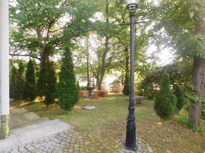 Unternehmer Villa in einem kleinen Vorort von Chemnitz zu verkaufen.