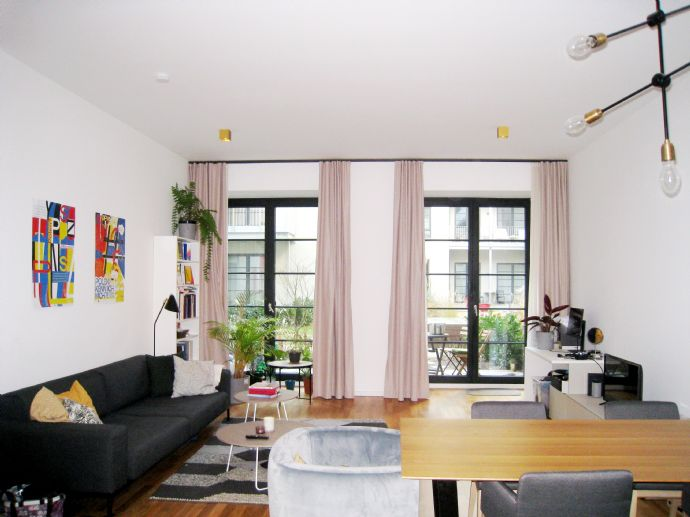Exclusive ground floor loft with high-quality furnishing & terrace....