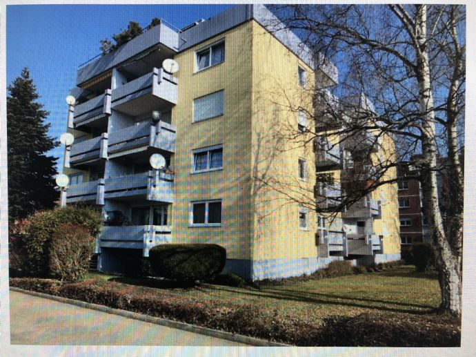 ***Schöne Hochparterre Wohnung in ruhiger Lage mit Balkon***
