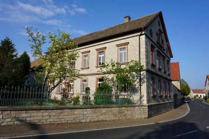 Großzügig Wohnen auf einzigartigem Hofgut in ländlicher Lage in Sulzdorf bei Giebelstadt