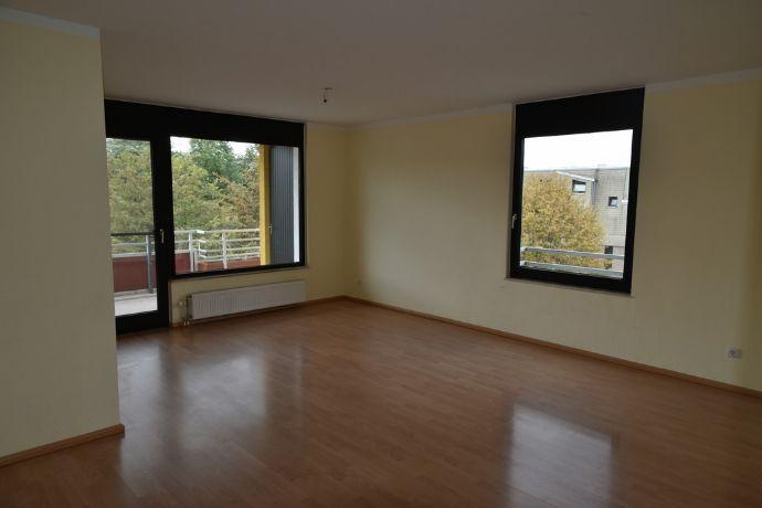 RESERVIERT Schicke und großzügige 3-Zi.-Wohnung in begehrter Lage von Heiligenhaus!