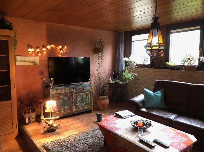 Wunderschöne 3-Zimmer-Whg, DG 90 qm + Speicherausbaureserve z.B.für 2 Zi,Bad ,Garage,Garten, nahe Mattheiser Weiher, Dachbalkon möglich!