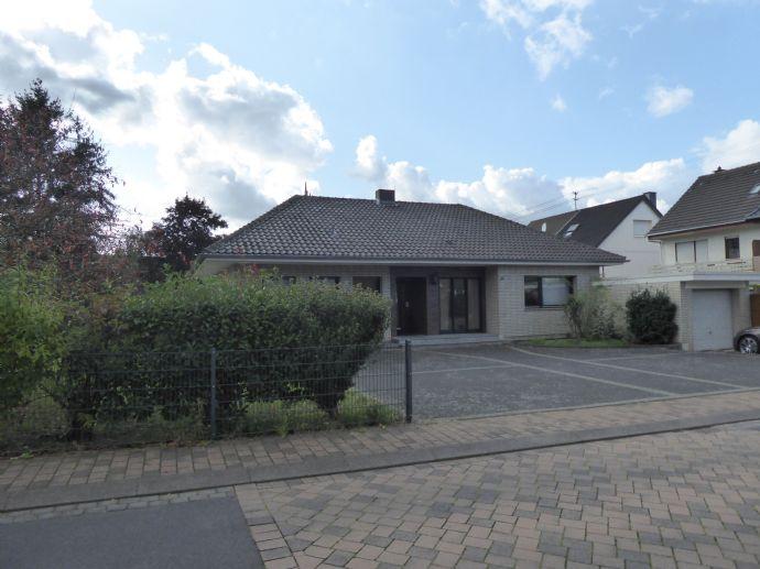 gepflegtes Einfamilienhaus mit riesigem Grundstück in sehr guter Lage von Niederkassel-Rheidt