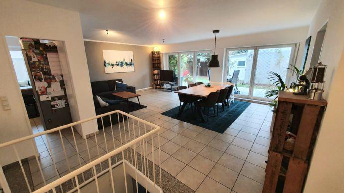 Lövenich 4-Zimmer-Erdgeschoss-Wohnung mit Garten in sehr ruhiger Lage