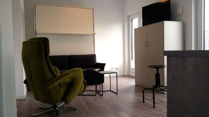 Top-möbliertes Penthouse-Appartement im Komponistenviertel