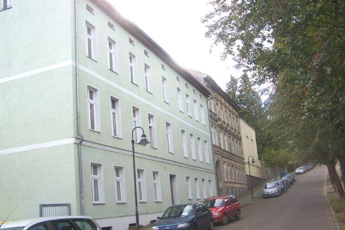Kurstadt Bad Freienwalde 1- Raum Wohnung - Zentrale, aber ruhige Lage