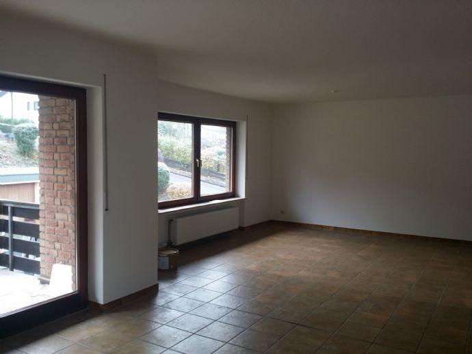 Komplett renovierte / sanierte Wohnung fußläufig Wiehl Zentrum