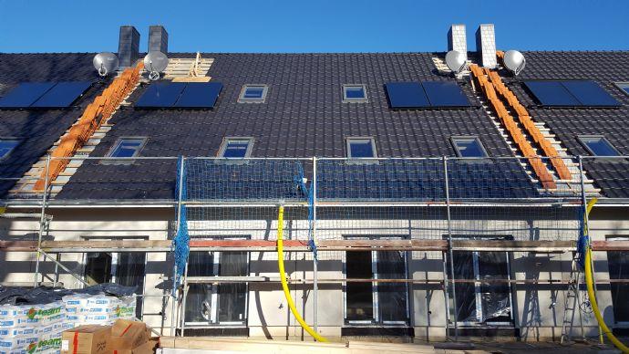 Neubau! exklusives Reihenmittelhaus mit Doppelcarport, Vollbad, Vollklinker, Gäste-WC uvm.