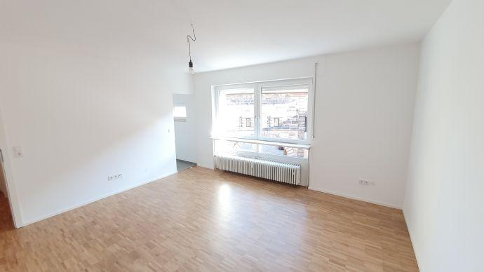 Erstbezug nach Sanierung: Schicke Studio-Wohnung direkt an der Burg!
