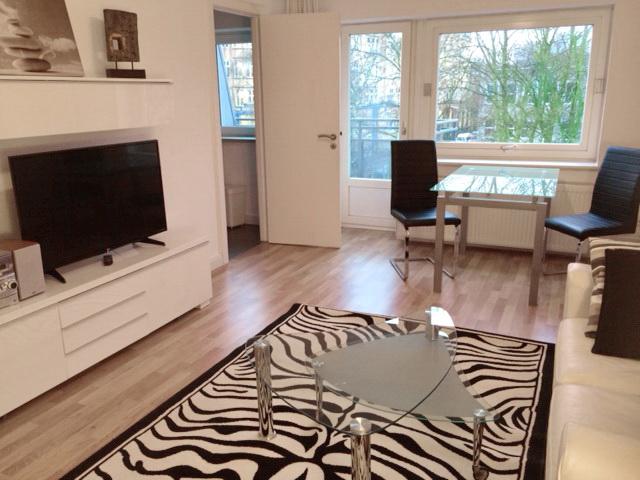 Zauberhaft möblierte 2-Zimmer Wohnung / Süd-Balkon/ Internet/ Inklusivmiete 1.320,00 € / ab sofort frei