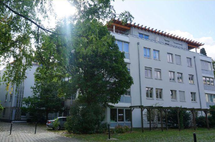 Möblierte 1-Zimmer-Wohnung gegenüber Uni & Elbwiese mit EBK, Balkon & Stellplatz zu vermieten