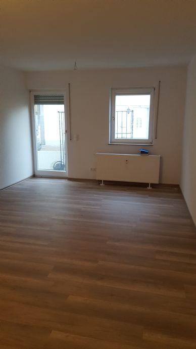 Helle und gut geschnittene 1 Zimmer-Wohnung - mit Terrasse