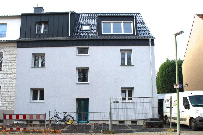 Frisch saniertes Dreifamilienhaus / Mehrgenerationenhaus