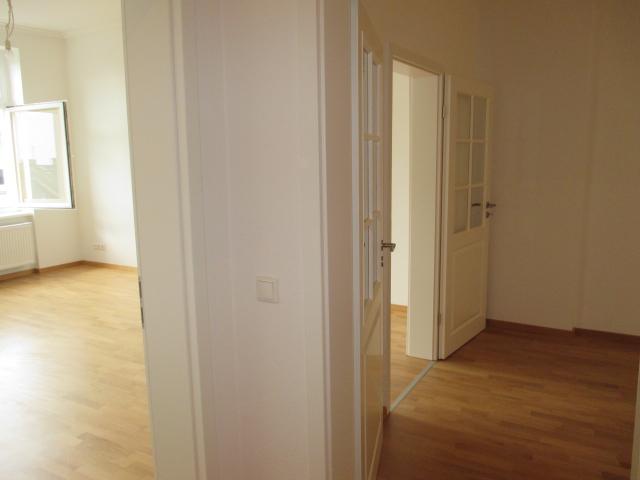 Wohnen in der Taunusstraße - Altbau - 4 Zimmer - Terrasse