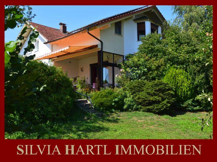 Gepflegtes Einfamilienhaus mit großem Garten und Blick zur Donau