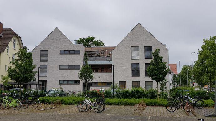 Großzügig und Moderne 2 Zimmer Wohnung  Bismarckstr./ Ecke Moltkestr.