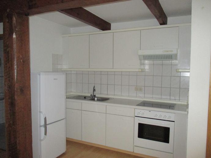 Am Stadtrand von Marne helle und komfortable 2-Zimmer Whg. auf einem idyllisch gelegenem Hof.