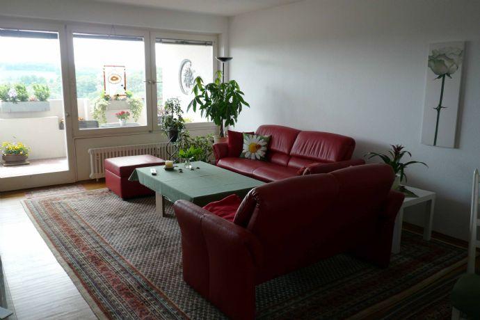 schöne 4 1/2-Zimmer Wohnung mit großem Südbalkon