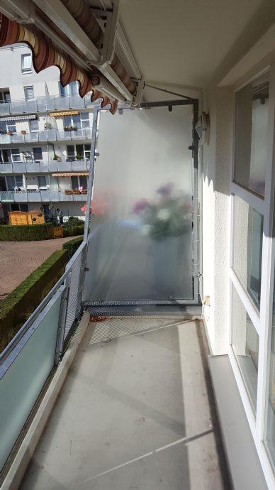Gut geschnittene 2-Raum-Wohnung mit Balkon, Aufzug und Tiefgaragenstellplatz - zu Vermieten