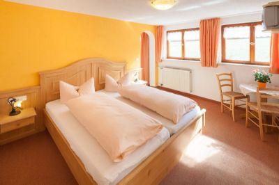 Gästehaus Schlegel - Ferienwohnung  Ofterschwanger Horn***
