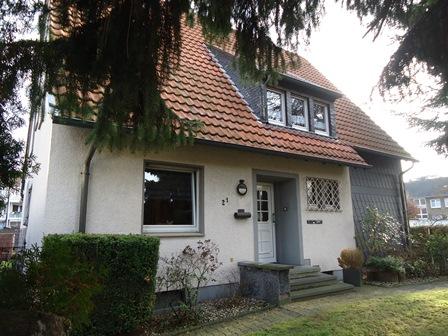 Zweifamilienwohnhaus in Herten - SÜDOST und zwei Garagen sowie grosszügige Gartenflächen und zwei Stellplätze