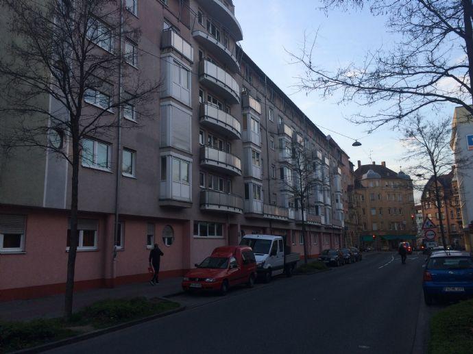 Helle und ruhige 1-Zi-Wohnung nahe U-Bahn