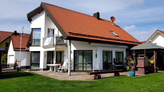 Exklusives Einfamilienhaus mit repräsentativer Architektur