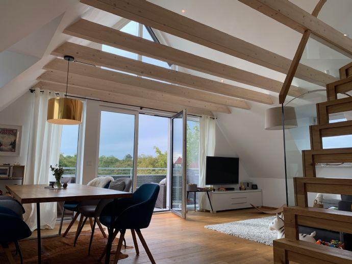Hochwertige 4-Zimmer Maisonette Wohnung mit grossem Westbalkon und eigenem Gartenanteil in Obermenzi