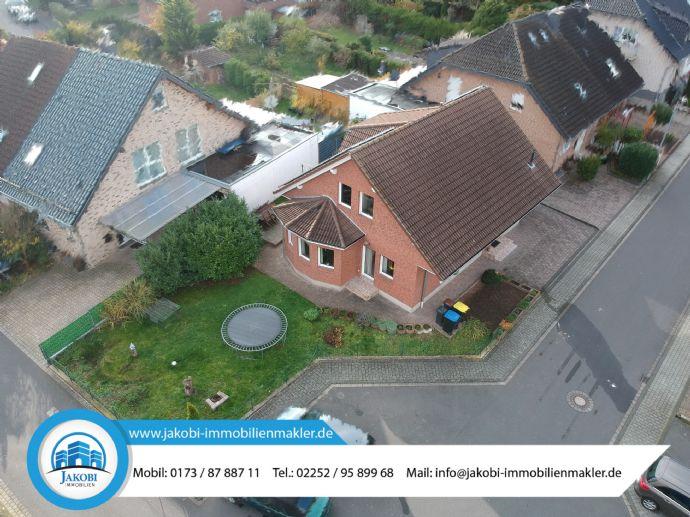 Freistehendes und sehr gepflegtes Einfamilienhaus in ruhiger Lage von Stotzheim