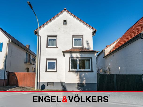Haus-Hof-Anwesen mit großer Dachterrasse!